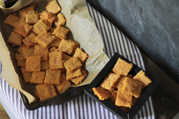 Fulfill that salty craving with this Homemade Gluten-Free Cheez-It Recipe | Brewedtogether.com