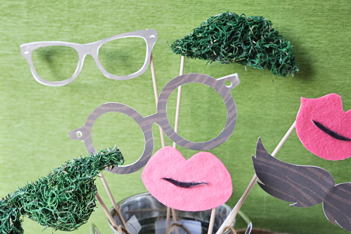 Bring fun to any party with these green/woodsy-inspired DIY Photobooth Props | Brewedtogether.com