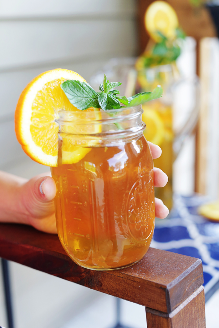 Add some flare and flavor to your green tea by adding mint and oranges with this recipe! | brewedtogether.com